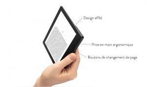 Kindle Oasis tenu par une main